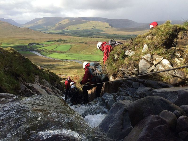 Steep-grnd-river-rescue-training